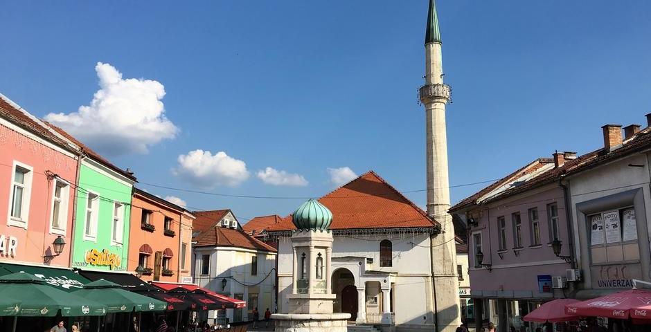 """""""Cum grano salis"""": Tuzla, città del sale, città disobbediente"""